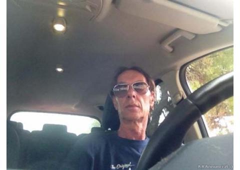 Luciano, sessantenne, divorziato, libero, giovanile